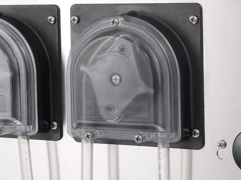 Le pompe péristaltique pour alimentation paralléle des veaux
